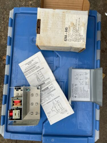 New  White-Rogers     829A-845 Switching Relay - Boiler circulator