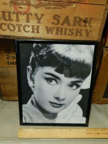 Audrey Hepburn ~ Facsimile Autograph Framed Print ~ {8