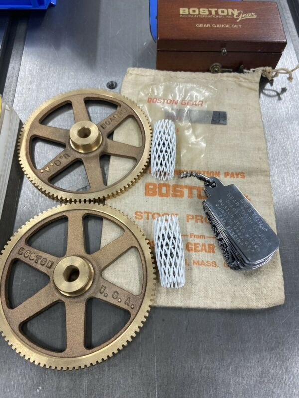 """MATCHING BRONZE WORM GEAR SET 96:1 RATIO 3/8""""-1/4"""" BORE 24 PITCH FROM BOSTON MA."""