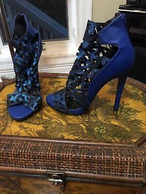 Qupid Cobalt Bright Blue Cut Out High Heels zip up booties Size 7.5 (Cobalt Blue High Heels)