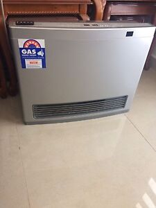 LIKE NEW RINNAI NATURAL GAS HEATER + REMOTE QUICK SALE Liverpool Liverpool Area Preview