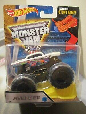 Hot Wheels Monster Jam Truck 1:64 2016 New Look Avenger inlcudes Stunt Ramp