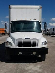 2005 Freightliner M2,Low km,Cat power
