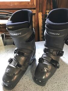 Size 8 Salomon Symbio 500 Alpine ski boots