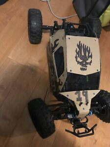 Axial yeti 1/10 roller or rtr