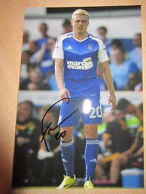 IPSWICH TOWN: FREDDIE SEARS HAND SIGNED 6x4 FOOTBALL PHOTOGRAPH