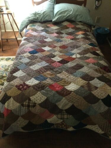 Antique Calicoes Clamshell Quilt Hand Quilted Farmhouse Homestead Coverlet 1900