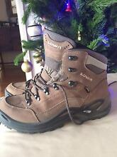 Lowa Renegade Hiking Boots *Worn Only Once* Womans US 11 Beaumaris Bayside Area Preview