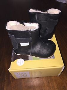 Baby girl robeeze booties -- size 2 (3-6 months)