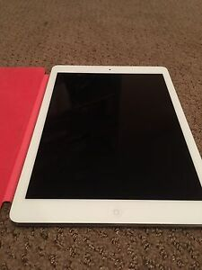 32gb iPad Air -  $400 OR BEST OFFER