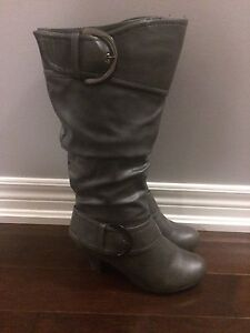 Women's boots - size 8.5
