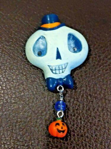 Russ HALLOWEEN Pin SKELETON Head SKULL Holiday Ghouls Vintage Novelty Pumpkin