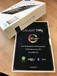 Samsung Galaxy Tab GT-P6800 16GB, Wi-Fi + 3G (Unlocked), 7.7in - Light Silver