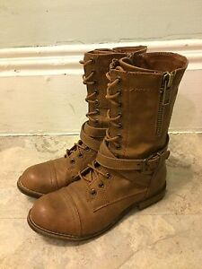 Brown boots -  Size 7