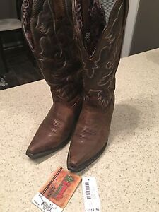 Ladies Cowboy Boots (BRAND NEW!)