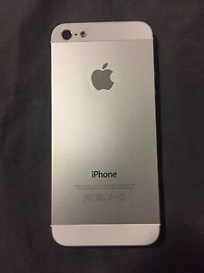 Excellent iPhone 5 locked with Bell London Ontario image 2