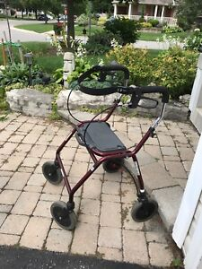 Walker with seat - Dolomite