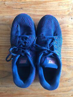 Nike Lunarglide / Womens / US size 7