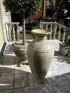 Tuscany style large urn / vase/  pot Sylvania Sutherland Area Preview