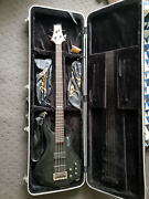 Bass guitar Boronia Heights Logan Area Preview