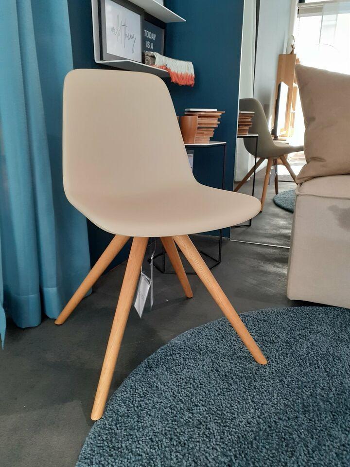 Step Stuhl von Tonon - Ausstellungstück in Radolfzell am Bodensee