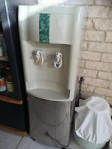 Water cooler/ heater Edensor Park Fairfield Area Preview