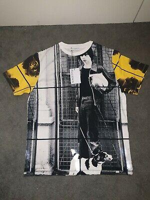J W Anderson Mens T-shirt Dog Boy Allover Print Short Sleeve Size Medium