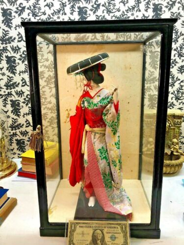 ⭐️ Antique Vintage Japanese Geisha figure w silk clothes in wooden display case⭐