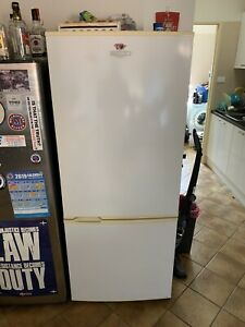 NEED GONE THIS WEEKEND White fridge/freezer