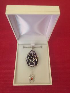Crystal Keeper CK08 Spyder Star Gothic Jewellery by Anne Stokes