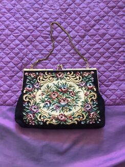 Vintage clutch purse  Maryland 2287 Newcastle Area Preview