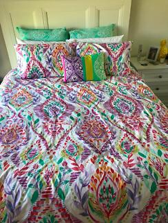 Queen size quilt cover + throw pillow and European pillow covers