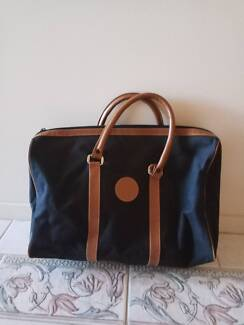 Carry bag, excellent condition. Very clean inside/outside. Holden Hill Tea Tree Gully Area Preview