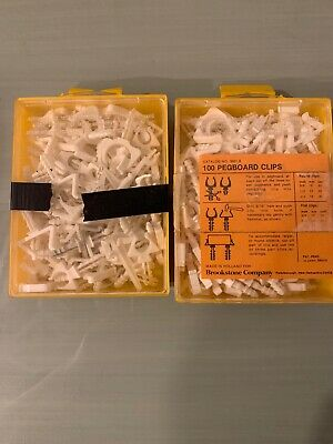 Vintage Lot Approx 200 Plastic Peg Board Hooks Craft Tool Hangers Brookstone