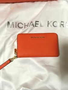 Michael Kors Leather Wristlet Wallet