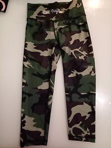 Brand new active wear tights Lisa Truijllo Wollongong Wollongong Area Preview