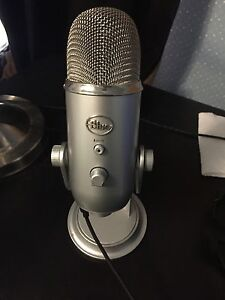 BLUE YETI GREAT CONDITION