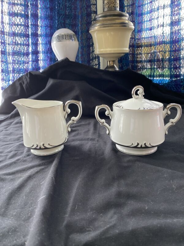 Style House embassy Fine China PLATINUM RING Sugar And Creamer w/ Lid White