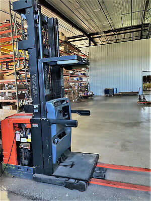 2011 Toyota 6-series Electric 3000 Lb. Capacity Order Picker Forklift Standup