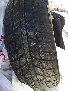 4 Winter Tires - 195-65-15 in Excellent Condition - only 8500km