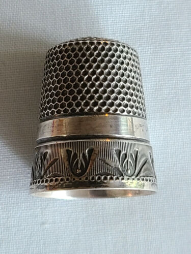 Antique Sterling Silver Chased Thimble by Waite Thresher Co. Size 10