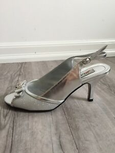Women's Shoes Silver Heels sz 8.