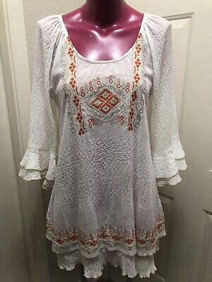 MORORENO WHITE EMBROIDERY TRIM /TUNIC BLOUSE WITH BELL SLEEVE SMALL