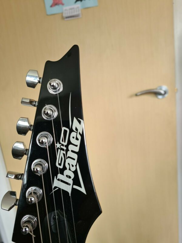 Electric guitars used