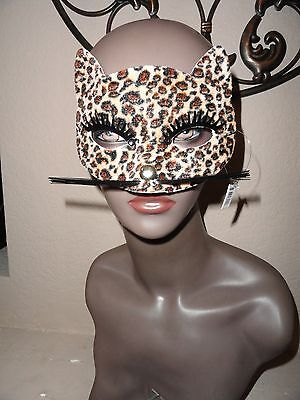 Maquerade Maske ( Maquerade Wildcat Mask w/nylon whiskers metal nose velveteen-like surface.)