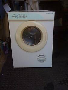 BARGAIN GREAT WALLMOUNT DRYER 4KG FISHER PAYKEL Lismore Lismore Area Preview