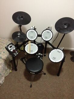 Roland TD-11 electronic drum kit Mermaid Beach Gold Coast City Preview