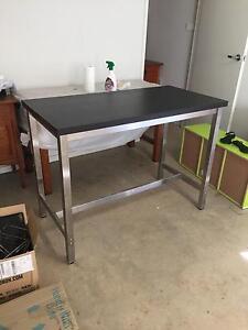 Bar table/ kitchen island Elderslie Camden Area Preview