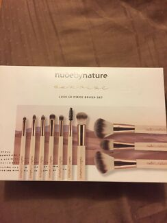 Wanted: Make up Brushes