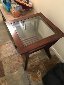 Selling side table